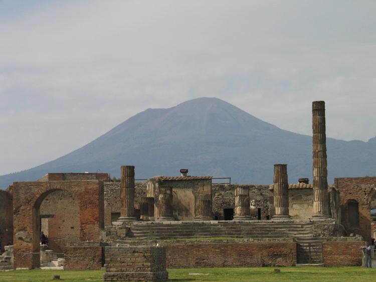 Pompei, le Vésuve en arrière plan