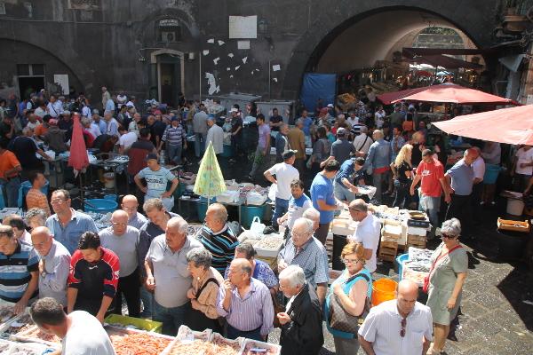 Spectaculaire marché au poisson de Catane
